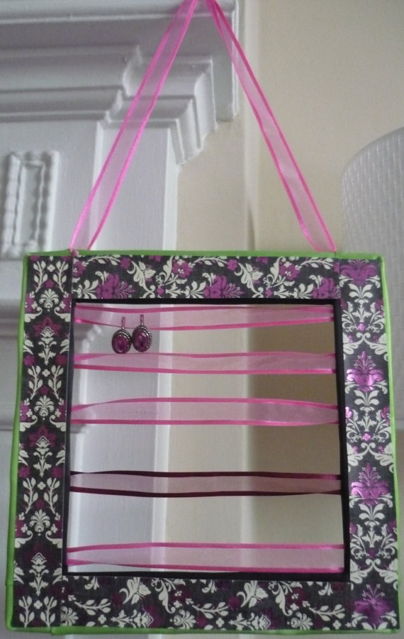 What a great idea! Earring holder 'I love love pink' combines by EarringHolder, $19.00