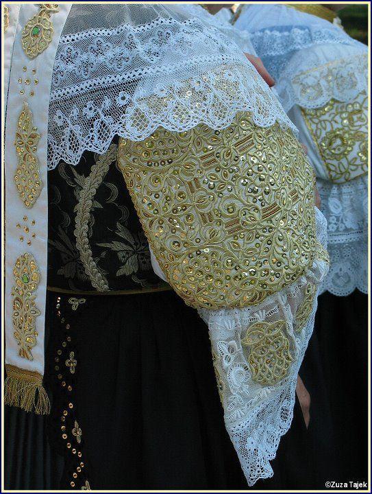 Female sleeve embroidery (Trnava, Slovakia).