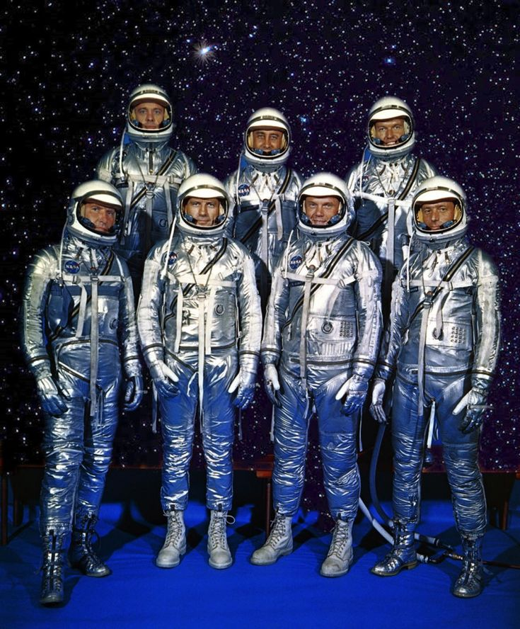 AMERICA'S GOLDEN SEVEN - THE FIRST NASA SPACE PIONEER  ASTRONAUTS - GUS GRISSOM TOP ROW CENTER