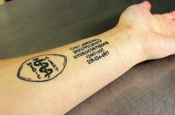 Certains tatouages ne sont pas qu'esthétiques. En effet, les tatouages médicaux (sur l'avant bras) permettent aux personnes à risques d'avoir les informations médicales les concernant toujours...