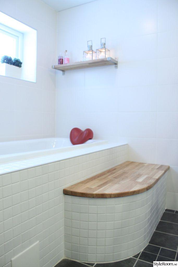 Inbyggt kaklat badkar