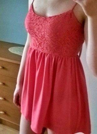 Kup mój przedmiot na #vintedpl http://www.vinted.pl/damska-odziez/krotkie-sukienki/12511929-koralowa-sukienka-hm-xs-koronka