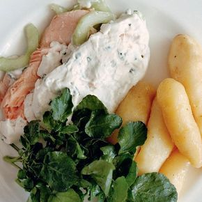 From Simon Hopkinson Cooks recipe book, this poached salmon dish is a real crowdpleaser. The inviting salmon is blended with cucumber, chives, lemon and cream.