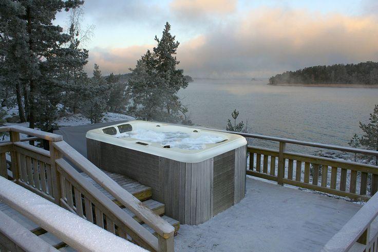 Ropi ulkoporeallas lämmittää myös talvi pakkasellakin. Lumispa.fi | Ulkoallas.fi | kylpykauppa.fi | Novitek.fi | facebook.com/novitekspa/