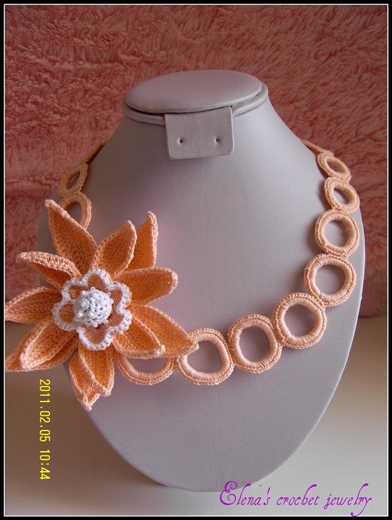 Awesome crochet necklace.