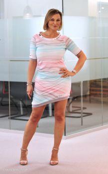 Wavy Stripes von lycklig Design koralle / mint # selbernähen #jerseykleid # nä…