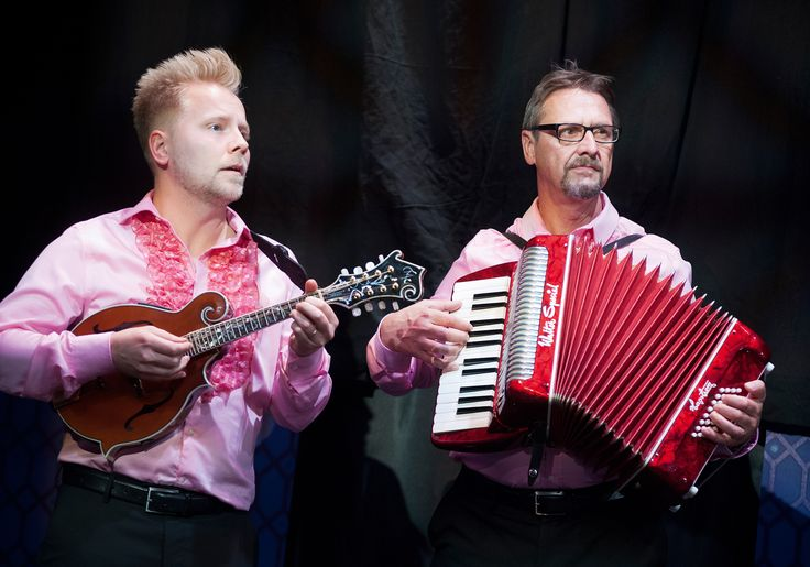 Musikerna kalle Nyman och Björn Råberg. Kostymdesigner Ina Andersson. Fotograf Anders Alm.