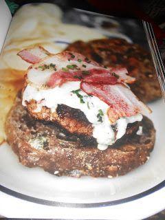 """Le Chef Pierre D'Iberville: Burger """"Agneau, bacon, sauce au bleu"""""""