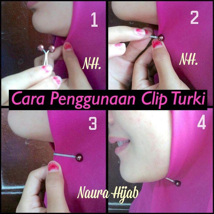 Sudah punya Clip Jilbab Turkinya? Yang belum bisa langsung order ya 😊 Nah, skrg cara pakainya . 💙 How to use Clip Jilbab ? 💙 1. Posisikan Jilbab/Tudung/Scraft (Square / Shawl) dibawah dagu, siapkan Clip Jilbab Kesayangan 💕 2. Arahkan Clip pada Jilbab dan letakkan pada sela Clip 3. Push Clip hingga ujung Clip. Rapikan dan posisikan senyaman mungkin. 4. DONE! #clipturki #clipjilbabturki #kliphijab #cliphijabturki #carapakaihijabclip #turkishhijabclip #caramenggunakancliphijab