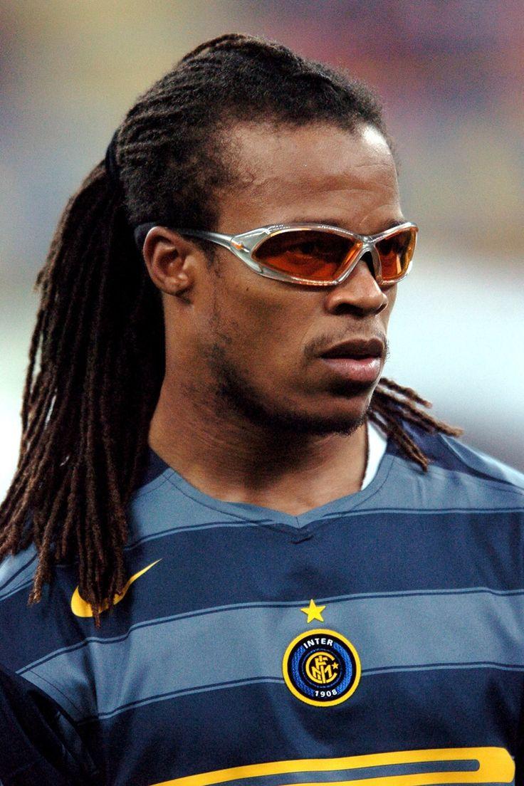 "Edgar DAVIDS ""The pitbull""; Ajax HOL1991–96, AC Milan ITA 96–97, Juventus ITA97–2004, loan Barcelona SPA 2004, INTER 2004–2005, Tottenham Hotspur ENG 05–07, Ajax HOL 07–08, Crystal Palace ENG 2010, Barnet 2012–14"