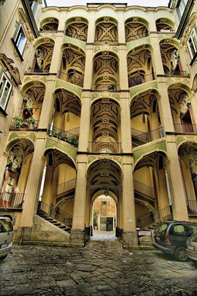 Napoli - Palazzo Spagnolo (Rione Sanità-Opera di Ferdinando Sanfelice)