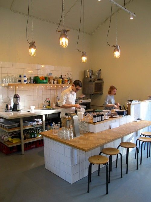 Local coffee legend Paul Sharo finally opened his new roasting workshop and café in a very cool space in Rotterdam.