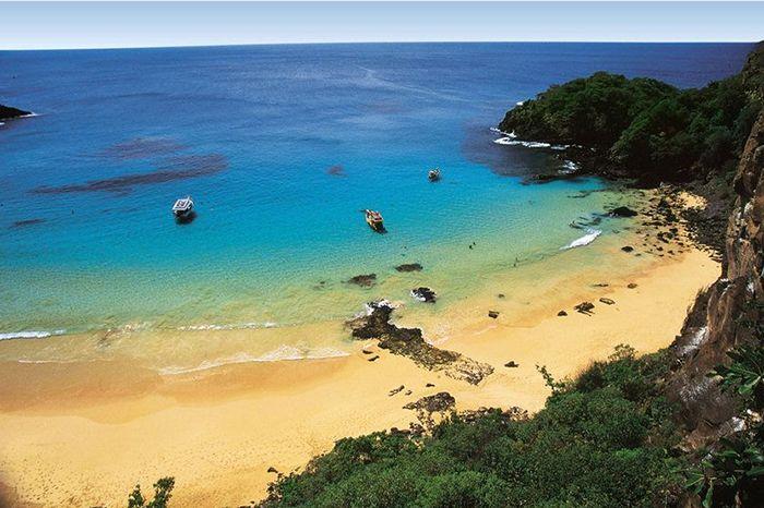 As 5 melhores praias de PE e como viajar mais barato