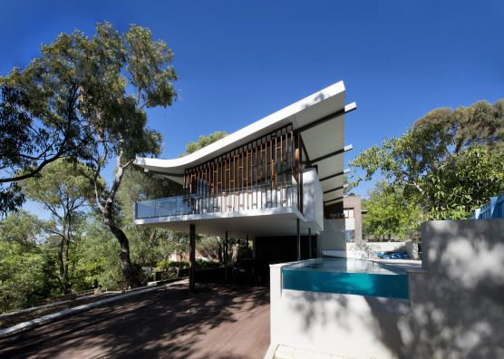 Perth, Western Australia, Australia • Large architect designed family home & beach house • VIEW THIS HOME ►  https://www.homeexchange.com/en/listing/447912/