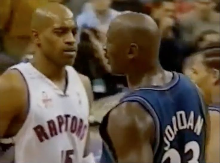 Michael Jordan (Age 38) shuts down Vince Carter - 0 pts in 2nd half
