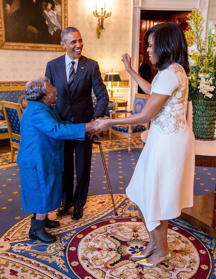 President Barack Obama Watches happiness 💕   First Lady Michelle Obama Dance With 106-Year-Old Virginia McLaurin Prior To A Reception Celebrating African American History