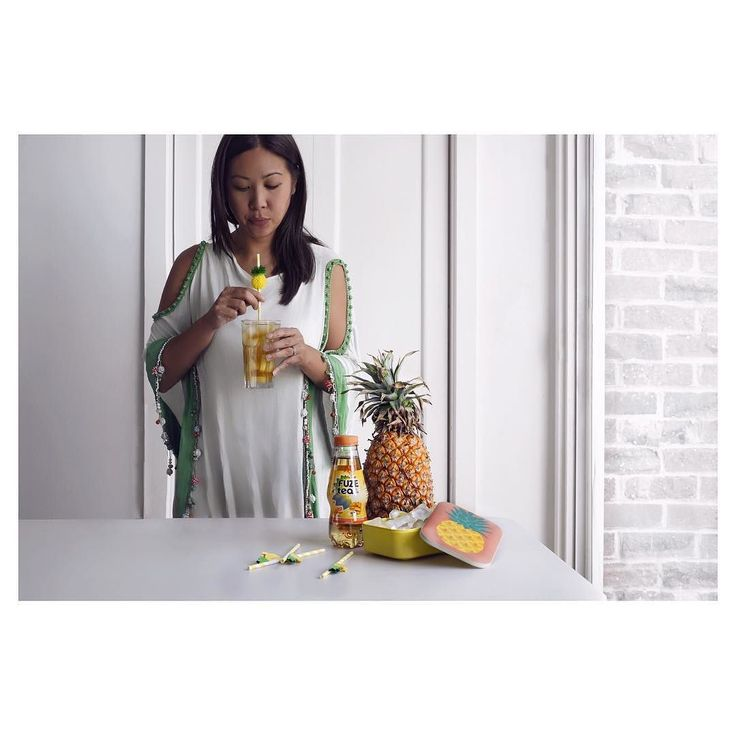 It has been caliente here this week Down Under! Feeling summery and adding some crushed pineapple and pineapple pieces to my Mango and Chamomile #FuzeTea for an extra hint of tropical fiesta . Do you have any favourite iced tea flavour combinations? #deliciouslygood #workingwithfuze