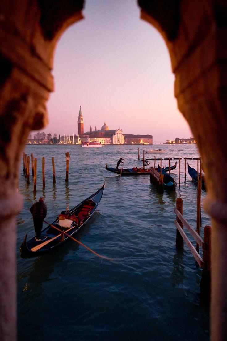 45 ORTE IN 14 TAGEN. Jemand hat den perfekten Roadtrip durch Europa berechnet. Halt wird natürlich auch in Venedig gemacht. Bild: Unsplash