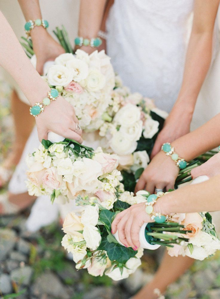 Pale-toned bouquets look great with mint green bling Photography by Bryce Covey Photography / brycecoveyphotography.com, Floral Design by Evans King Floral / evanskingfloral.com/