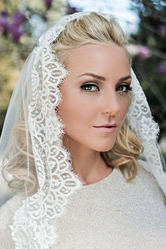 singles in bridal veil Browse pictures and advice and for brides and wedding shops from the uk's leading wedding veil try a single tier veil, short style or even a face veil.