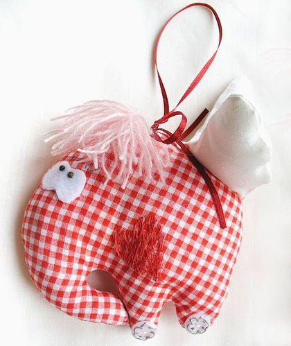 """Подарки для влюбленных ручной работы. Ярмарка Мастеров - ручная работа Игрушка """"Очень влюблённый слон"""". Handmade."""