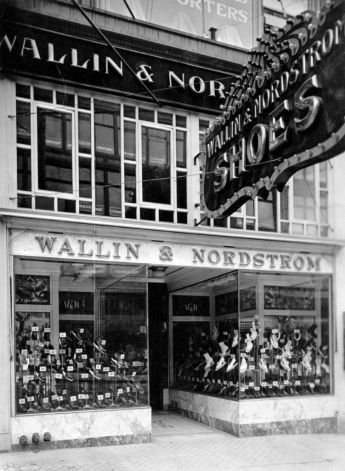 The Second Avenue Wallin & Nordstrom shoe store, 1916. #Seattle Photo: Seattlepi.com File
