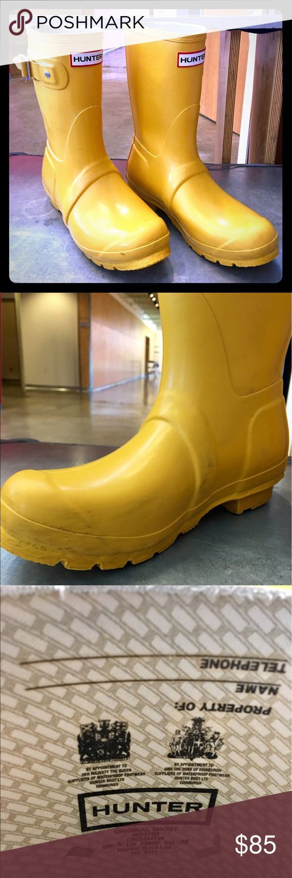 Hunter Original Short Boots Size 7/8. I'm a 7 and they're a little big, so hardly worn. Great condition. Scuffs can very easily be removed. Hunter Shoes Winter & Rain Boots