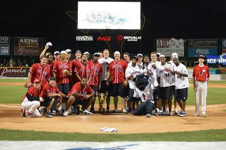 JJ Watt Foundation charity classic softball game 2014 #HoustonTexans. Offense vs Defense