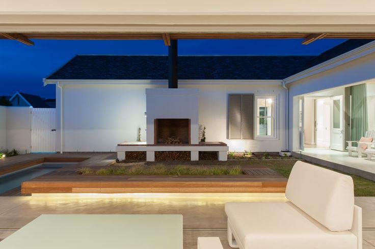 House-Le-Roux-courtyard-area-1.jpg (3700×2462)