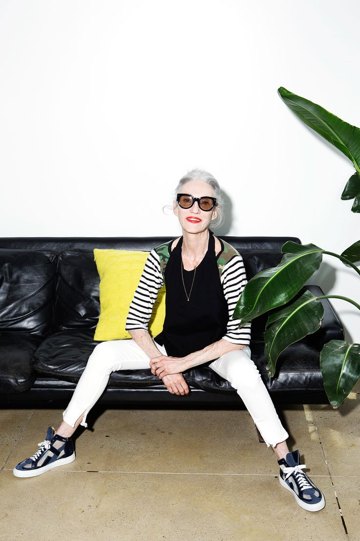 Linda Rodin Linda Rodin is about simplicity. The 63-year-old stylist founded the cult oil range Olio Lusso in 2007 to focus on beauty in the here and now: There are no grand promises on her bottles of reclaiming your lost youth, but just a commitment to helping you put your best self forth today. Rodin has changed the conversation within the industry and continues to prove that the ...