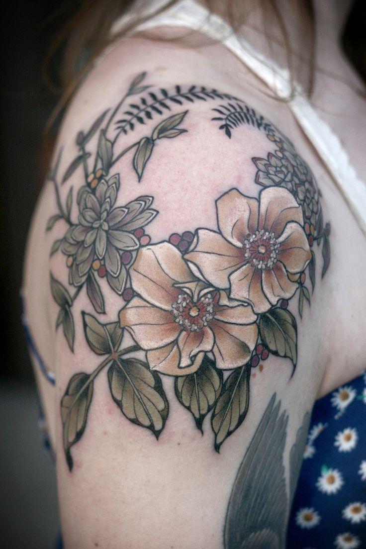 Shoulder cap wreath by Kirsten Holliday at Wonderland Tattoo in Portland, Oregon! http://wonderlandtattoospdx.tumblr.com