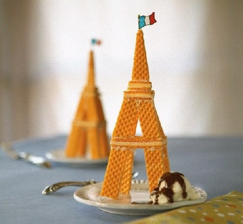 Eiffel Tower outta wafer cookies