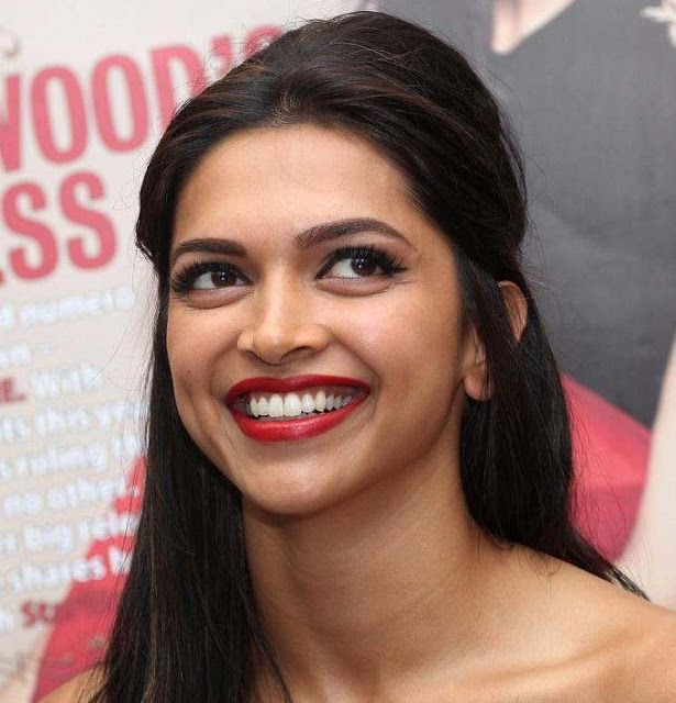 Beautiful Actress Deepika Padukone Cute Smile Pics Deepikapadukone Cute Smile Smiling Smile Pictures Beautiful Actresses Beautiful