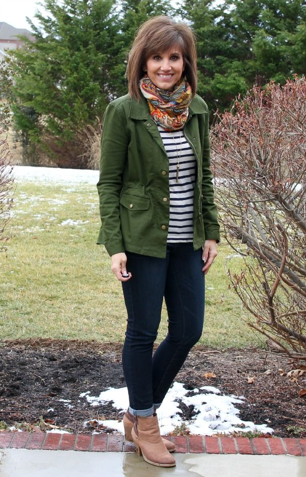 Happy Hump Day! It's Day 28 of my 31 Days of Winter Fashion and I'm styling my military jacket.