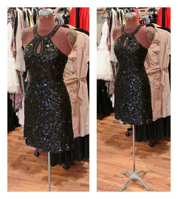 1990er Jahre schwarz Pailletten Minikleid von ShopBetsysBoutique