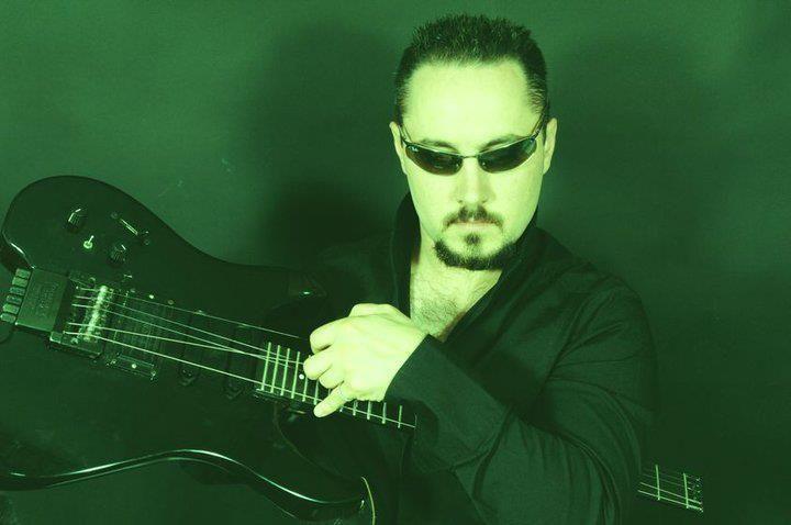 Valerio Villa, musicista, intervista su I Giardini dell'Arte, in più un suo brano suonato da Jordan Rudess