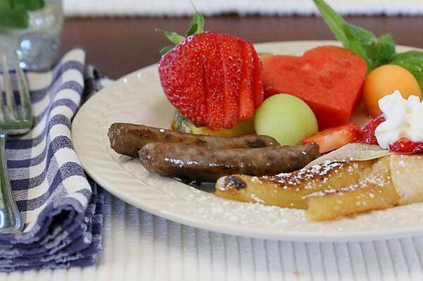 http://www.innatwhitewingfarm.com/index.html  Breakfast at the Inn at Whitewing Farm