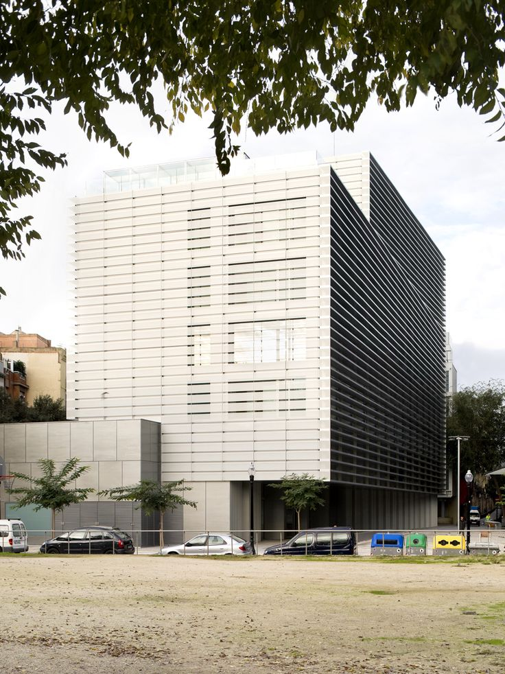 120 best bcq arquitectura barcelona images on pinterest for Booking barcelona oficinas