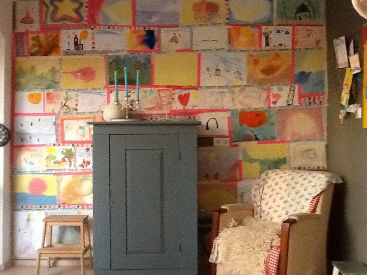 ~Muurversiering/Behang van kindertekeningen en washi tape~