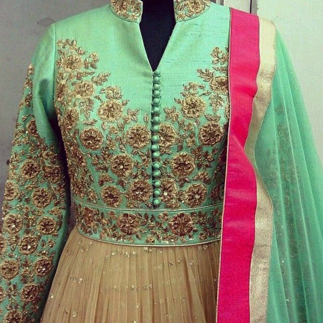 Minty goodness by our talented Zafraan workshop. Absolutely love the colour combinations and the tone of embroidery used on this elegant ethnic piece #WaliaJones