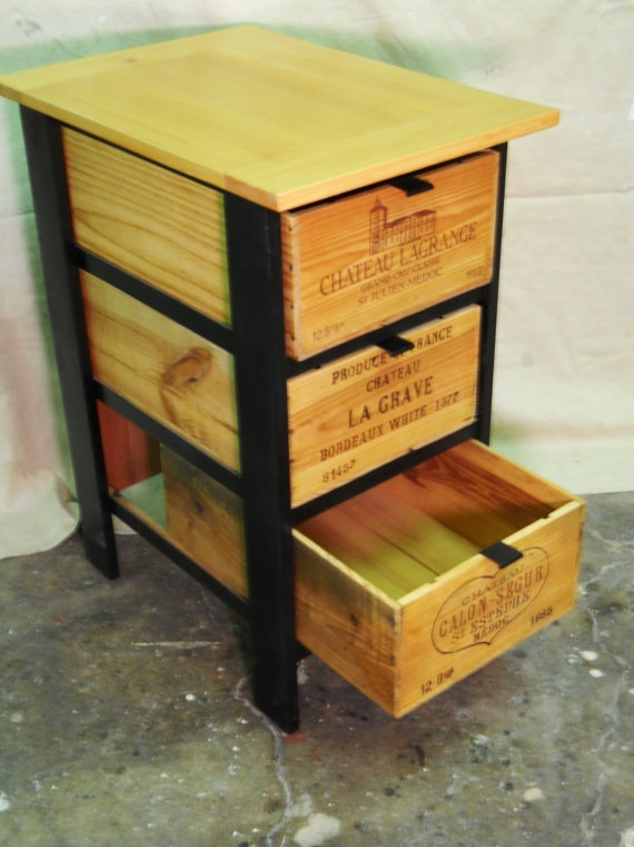 Best 25 wine crate decor ideas on pinterest wine crates wine crate coffee table and wine boxes Wooden crates furniture