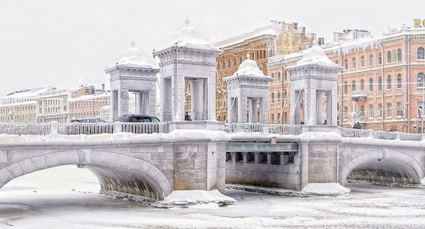 Frozen Lomonosov Bridge