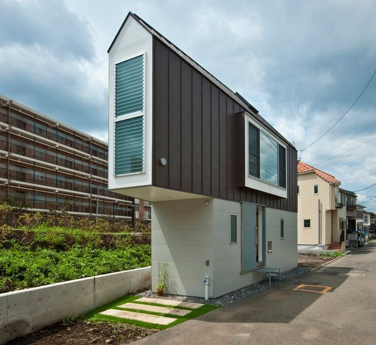 flat house in Japan