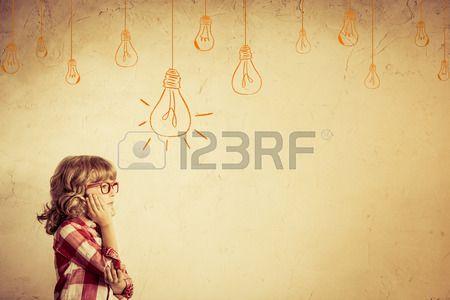 Pensamiento Chico Hipster. Concepto De La Idea. Dibujo Bulbo Bulto. Retro Tonificado Fotos, Retratos, Imágenes Y Fotografía De Archivo Libres De Derecho. Image 32360355.