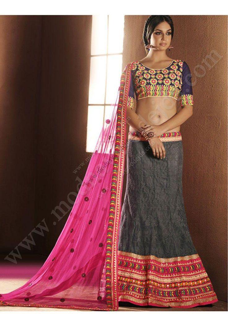 Серый индийский женский свадебный костюм — лехенга (ленга) чоли из фатина и из жаккардовой ткани, декорированый вышивкой