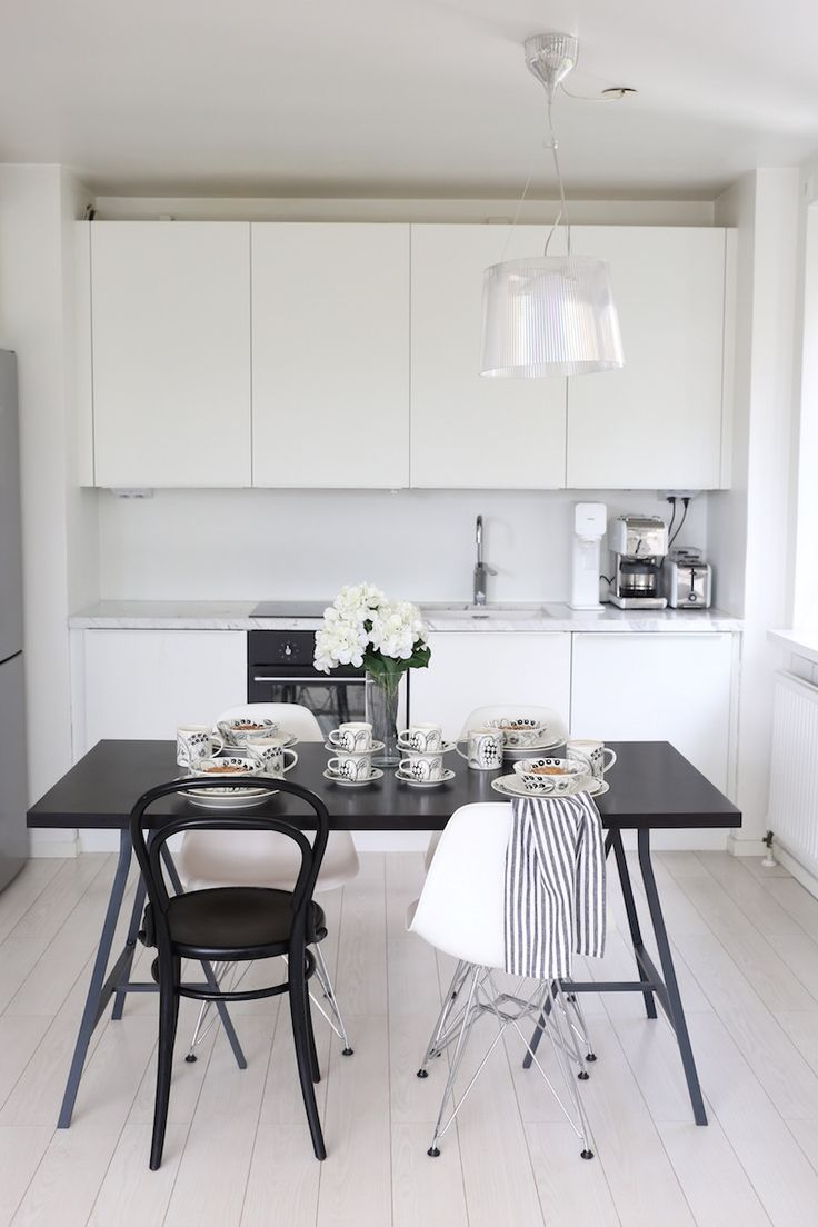 Homevialaura | Arabia Paratiisi in black and white | design by Birger Kaipiainen
