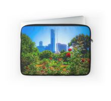 Red Roses in the Botanical Gardens - Melbourne, Victoria Laptop Sleeve