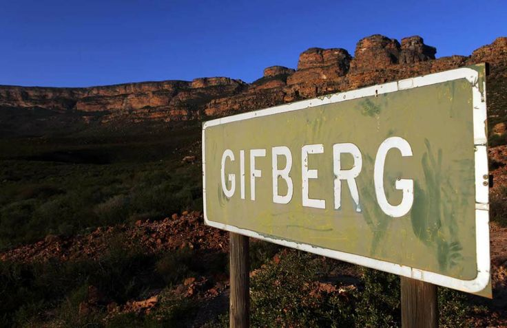 Gifberg - Weg! Gifberg Holiday Farm Situated a mere 29km from VanRhynsdorp in the Western Cape, South Africa, this rustic and tranquil resort is the ideal getaway place to experience nature with a difference. Various bushman painting sites can be visited on the hiking trails that puts you in touch with the wonders of nature.