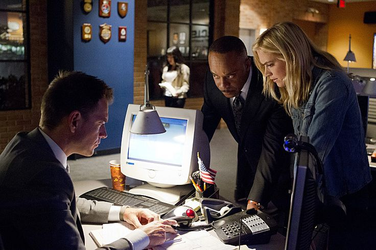 Rocky Carroll, Michael Weatherly, and Emily Wickersham in NCIS: Naval Criminal Investigative Service (2003)