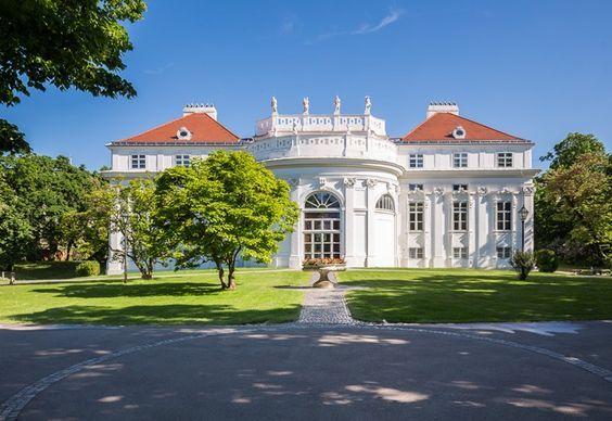 Eine traumhaft schöne Hochzeitslocation mitten in Wien (1040 Wien): Palais Schönburg (Frontansicht) Copyright Lukas Kirchgasser